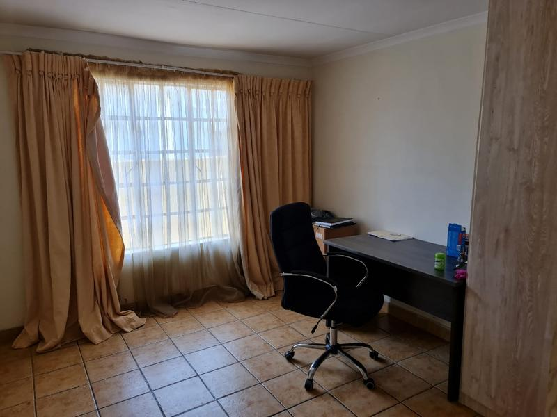 Property For Sale in Doornpoort, Pretoria 17