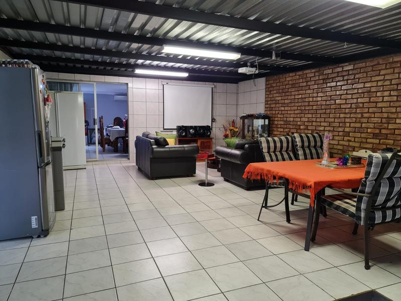 Property For Sale in Doornpoort, Pretoria 11