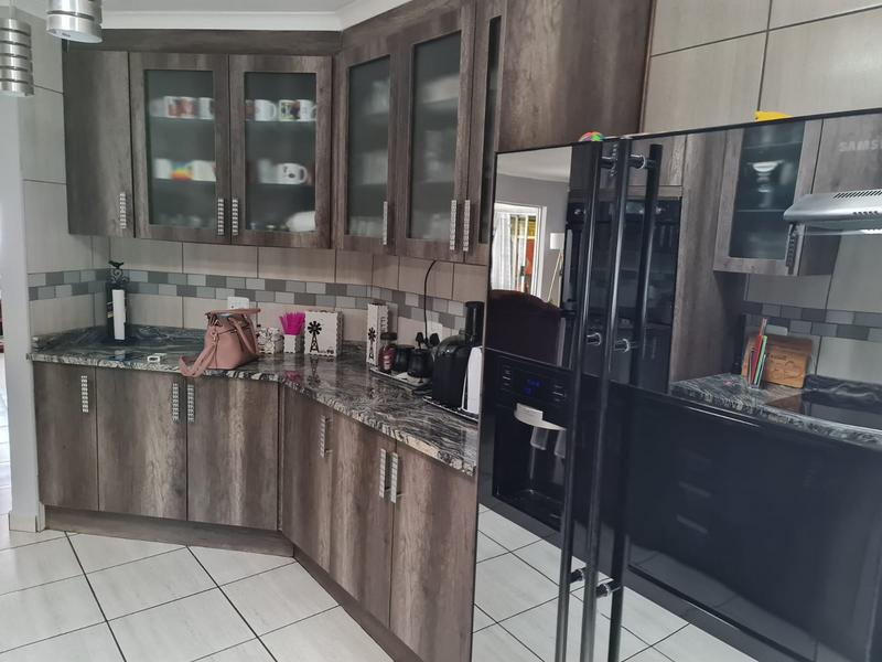 Property For Sale in Doornpoort, Pretoria 4