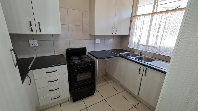 Property For Sale in Sinoville, Pretoria 6