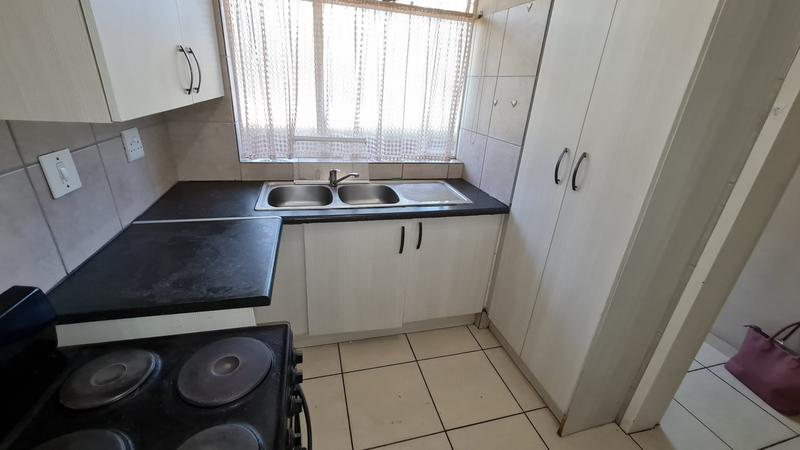 Property For Sale in Sinoville, Pretoria 8