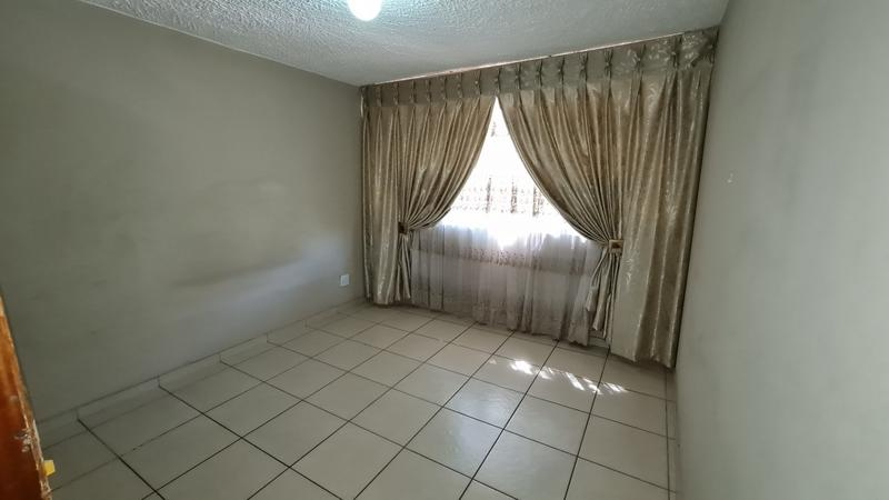 Property For Sale in Sinoville, Pretoria 9